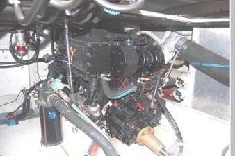 1995 Bayliner 3988 Motoryacht 71 72
