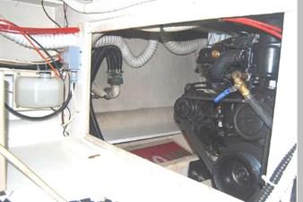 1995 Bayliner 3988 Motoryacht 74 75