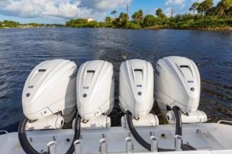 Bahama Papa 32 Engines
