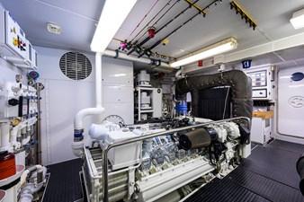 MY DESTINY 180 Engine Room