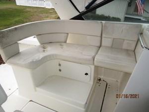 Spirit 9 8_2776011_29_tiara_upper_deck_port_seating