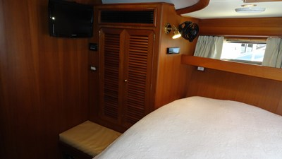 Forward VIP Stateroom, Looking Aft