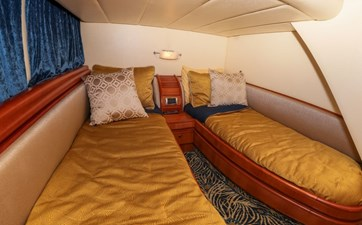 GUEST STATEROOM - STARBOARD