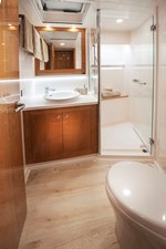 Riviera 54 Enclosed Flybridge Forward VIP Ensuite and Day Head 01