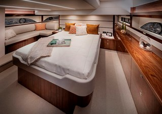 Riviera 54 Enclosed Flybridge Master Stateroom 02 - Gloss Walnut