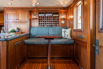 LADY BAHI 137 pilothouse settee