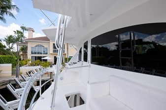 Osh-it  50 Enclosed Flybridge Aft Deck