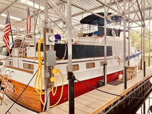 2.1 Little Red 1984 Grand Banks 49 MY stb view