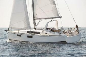 2020 Beneteau Oceanis 35.1 0 1