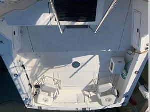1989 Tiara Yachts 33 Flybridge 4 5