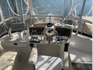 1989 Tiara Yachts 33 Flybridge 12 13