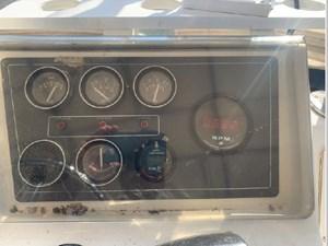 1989 Tiara Yachts 33 Flybridge 15 16