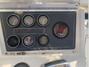 1989 Tiara Yachts 33 Flybridge 17 18
