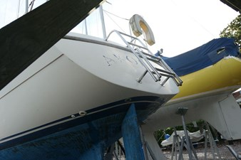 southerly-100-lifting-keel-29