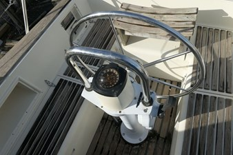 southerly-100-lifting-keel-47