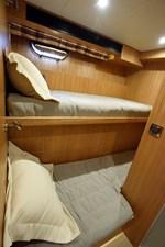 JOHNSON 93 OPEN BRIDGE 38 Crew cabin aft to starboard