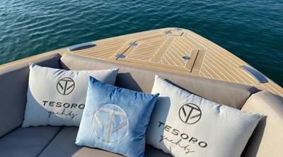 Tesoro-Yachts-T-38-1-1024x570