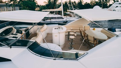 Cristales 7 Cristales 2006 AZIMUT YACHTS Jumbo Motor Yacht Yacht MLS #268563 7