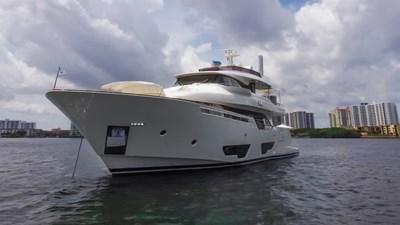 DIEVAL 1 DIEVAL 2017 FERRETTI CUSTOM LINE Navetta 28 Motor Yacht Yacht MLS #268569 1