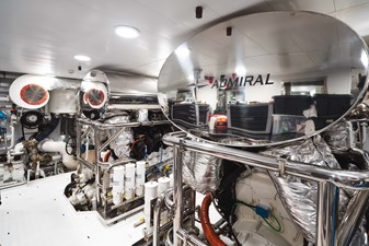 48 SAGE 40m Admiral Engine Room