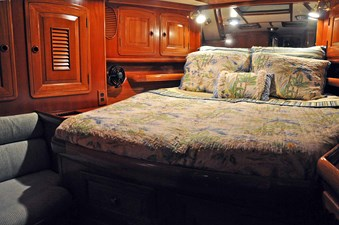 Fwd. Queen Cabin