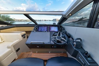 32_2017 57ft Sunseeker Predator
