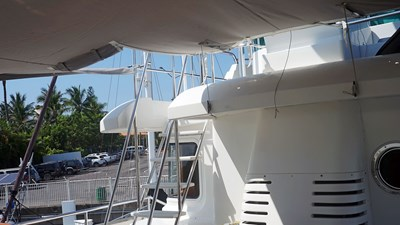 27 23---Zip-Panel-Flybridge-Access-Open-a