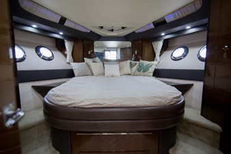 2013_50_marquis_master_stateroom_1