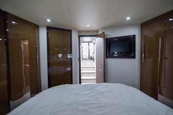 2013_50_marquis_master_stateroom_2