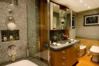 MVQUEEN_AIDA_Guest Bathroom 00006216_vb1256973