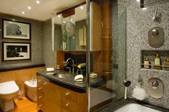 MVQUEEN_AIDA_Guest Bathroom 00006216_vb1256979