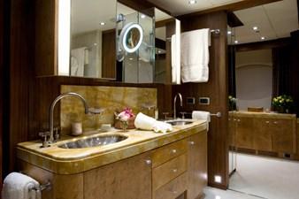 QUEEN_AIDA_Master Bathroom + dressing 00006216_vb1256914