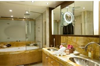 QUEEN_AIDA_Master Bathroom + dressing 00006216_vb12569141