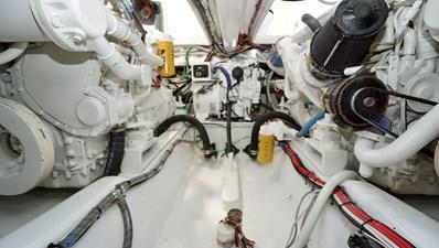 Munequita 32 Engine Room