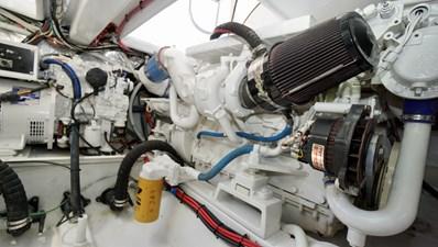 Munequita 33 Engine Room