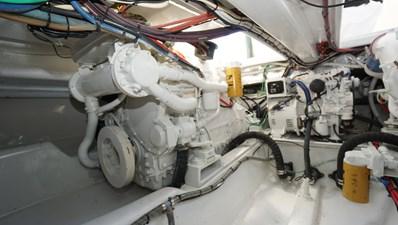 Munequita 34 Engine Room