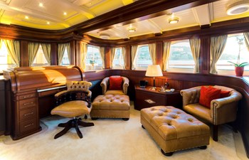 Owner's Saloon - Owner's Suite Deck Level