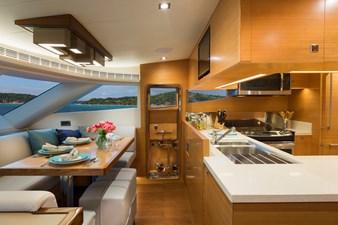 Horizon E75 (New Boat Spec)  15 Dinette