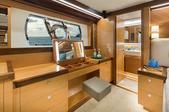 Horizon E75 (New Boat Spec)  21 Master vanity