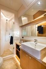 Horizon E75 (New Boat Spec)  25 VIP Bath