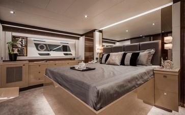 Horizon E75 (New Boat Spec)  41 Master Stateroom