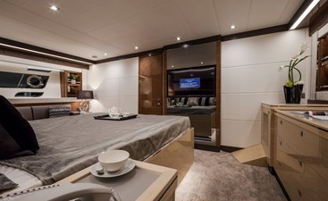 Horizon E75 (New Boat Spec)  42 Master Stateroom