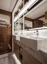 Horizon E75 (New Boat Spec)  44 Master Bath