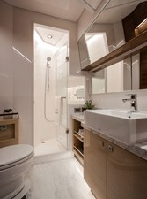 Horizon E75 (New Boat Spec)  46 VIP Bath