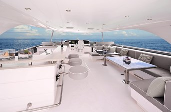 E90 (New Boat Spec)  8 Flybridge