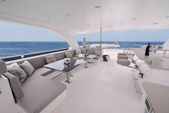 E90 (New Boat Spec)  9 Flybridge