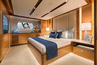 E90 (New Boat Spec)  15 Master Stateroom