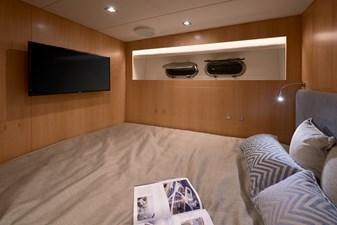 E90 (New Boat Spec)  25 Capt Cabin