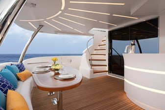 E90 (New Boat Spec)  29 Aft Deck