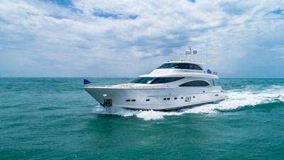 E90 (New Boat Spec)  32 Exterior